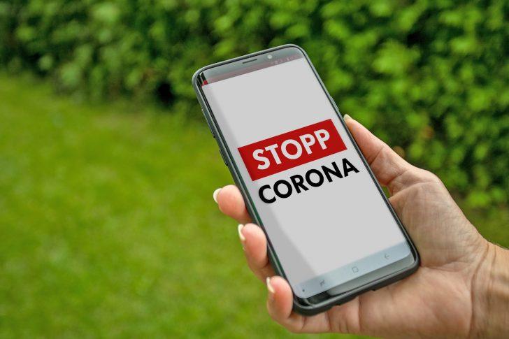 StoppCorona HandyOutdoor © RKNÖ Hürner L