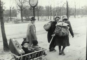 1 Ring 1945 c Sammlung Erich Klein Foto Jewgeni Chaldej 1
