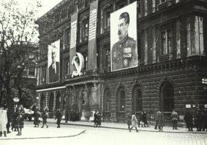 6 Palais Epstein 1945 c Sammlung Erich Klein Foto Jewgeni Chaldej